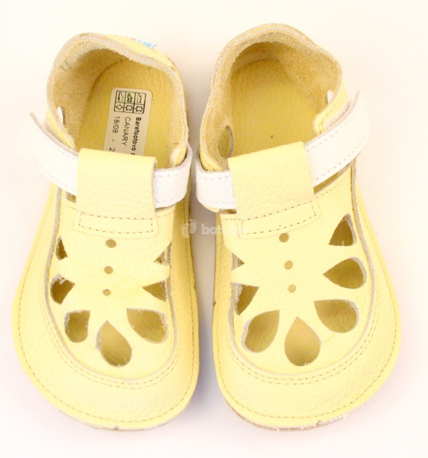 Baby Bare Shoes IO Canary - Summer Perforation 9b32c5d152